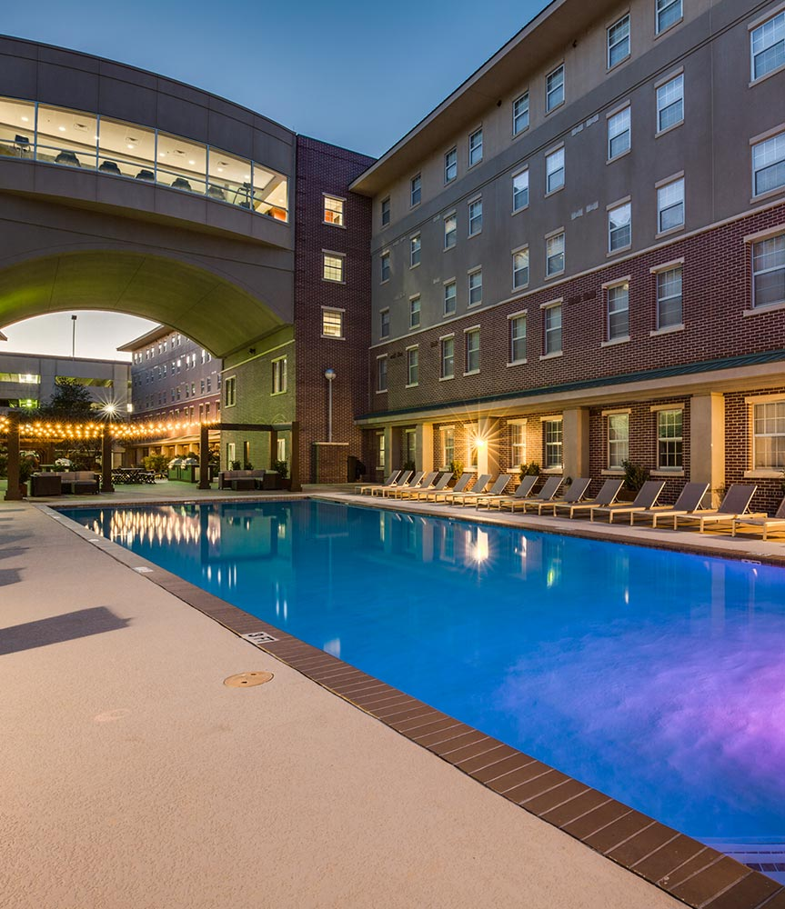 outdoor swimming pool at texas a&m apartment complex